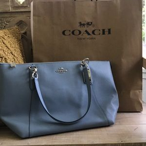 NWT Coach Tote Blue zipper bag